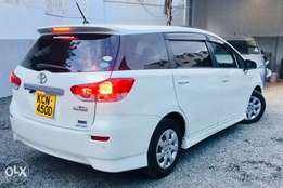 toyota wish 2010 kcn with sunroof loaded edition at 1,350,000/= o.n.o