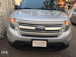 ford explorer silver colour