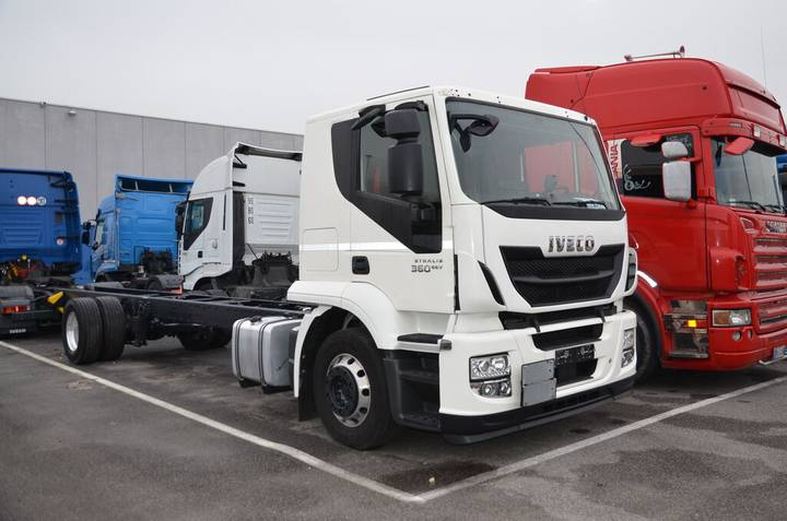 Iveco AT440S36