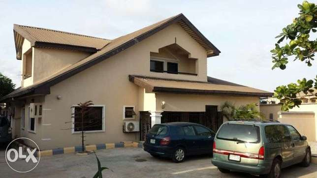 Luxury 3 Bedroom flat To Let Oshodi/Isolo - image 5