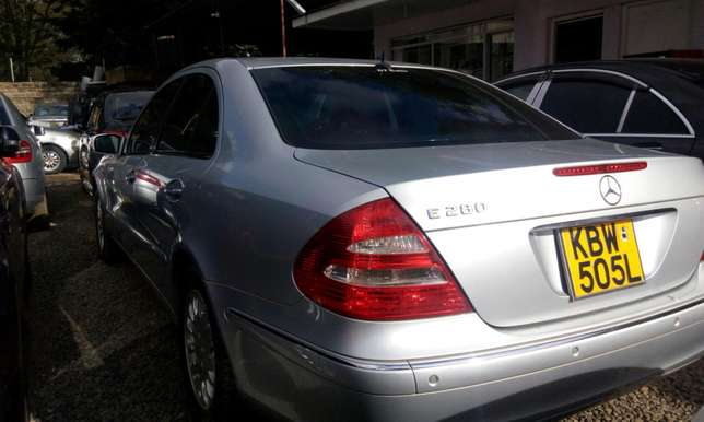 Marcedeze benz E-280 on sale Kileleshwa - image 4