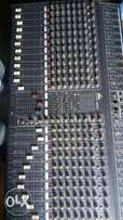 24 channel console mixer