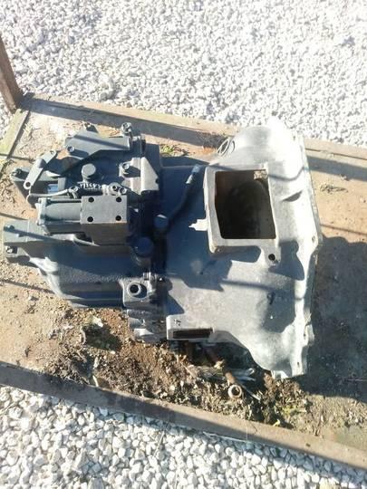 Zettelmeyer ZL601 Gearbox Getriebe versnellingsbak voor wiellader