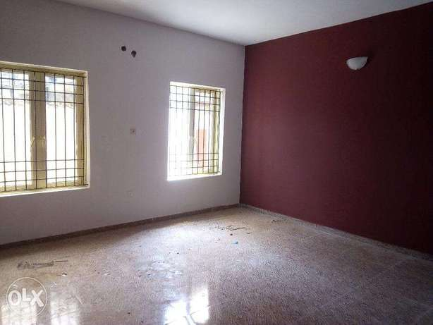 A Newly Built, Lovely and Spacious 2 Bedroom Flat Jibowu Yaba Yaba - image 2