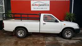 2007 nissan hardbody 2000i long wheel base ( one owner) single cab