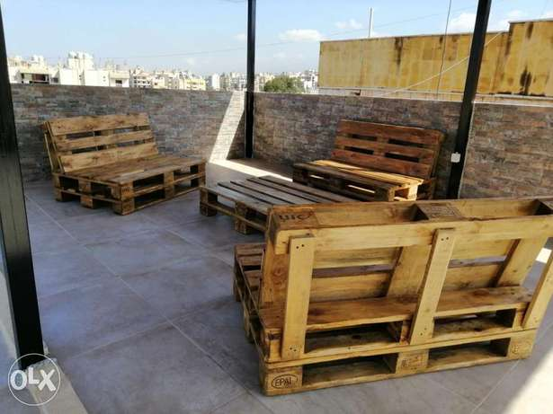 Outdoor three pallets banches with table بنك طبالي عدد ٣ مع طاولة