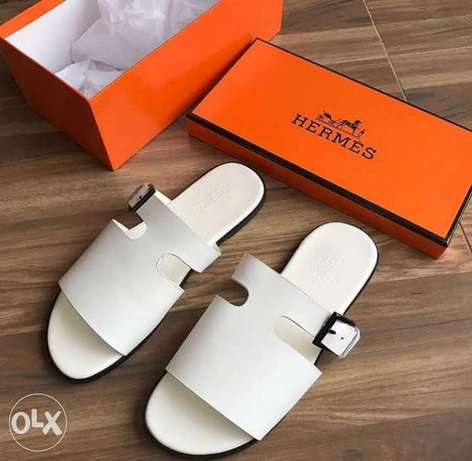 In stock with quality HERMES slippers design avalible on tunds store Lagos Mainland - image 6