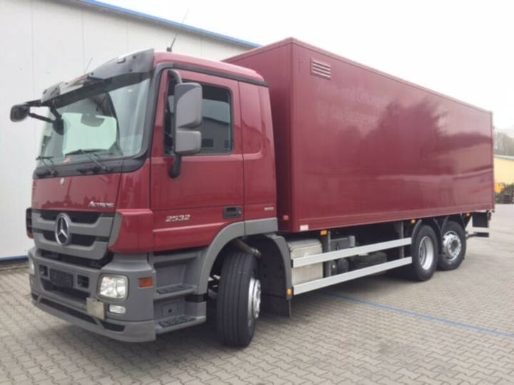 Mercedes-Benz Actros 2532 L 6x2 Lift / Leasing - 2013