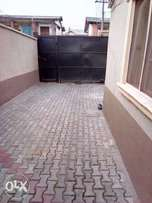 Nice and well finished 3bedroom flat for rent in surulere