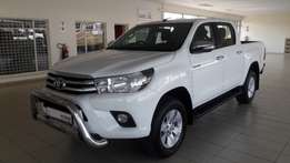 2016 Toyota Hilux 2.8GD-6 Raider 4X4 double cab with only 40 000km