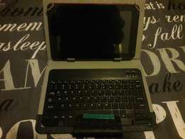 """9"""" Quad core Tablet with cover and usb keyboard"""