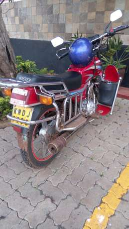 Am selling a motorcycle Njengu - image 2