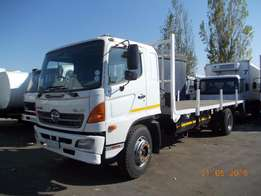 Neat 8T Toyota Hino For Sale