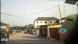 3 Bedroom Bungalow on 800 sq/mts of Land, at Ogo-Oluwa Estate. Okeira