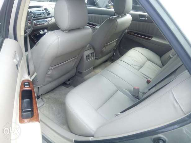 Toyota Camry V6 xle foreign used 2006model for Sale Ikeja - image 2