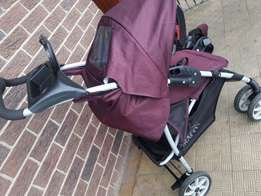 Graco pram with sepperate rearfacing car seat