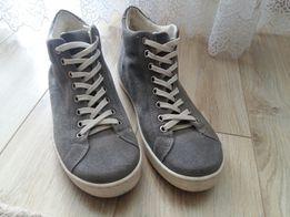 Жіночі Кросівки - Жіноче взуття в Рівненська область - OLX.ua 140c5c79372e2