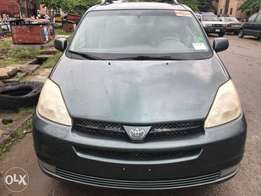 Toyota Sienna Xle 2004 Accident Free Clean and Fresh