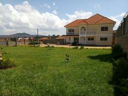 4 bedroom for rent MUYENGA