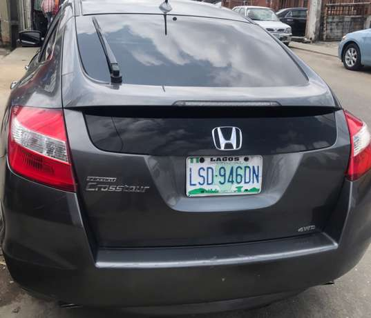 Very Neat Honda Accord Crosstour Surulere - image 8