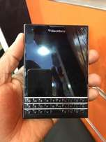 black Berry passport barely used and a good price