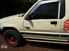Extremely clean 2006 Mitsubishi L200 diesel 4x4 mnl.Comes full tank.