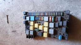 Mercedes-Benz Ml W163 Front Fuse Box