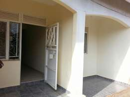 Self contained Double room with an inside kitchen in Mpererwe