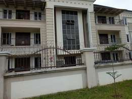 3brm luxurious apartment with 4toilets to let at Jahi