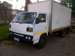 3.5 Ton close boby truck for hire