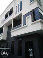 wonderfully built 4 bedroom duplex in osapa