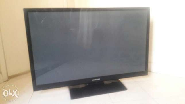 a 43 inch Telly.very well managed.available immediately South B - image 1