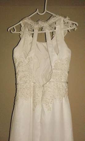 Ivory, Open-back wedding dresses for hire/sale! Kraaifontein - image 4