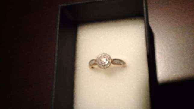 9ct yellow gold Cluster Diamond ring for sale Pretoria East - image 7
