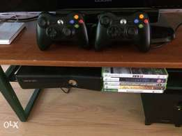 250GB Black Xbox 360s, 5 games & 2 controllers in great condition