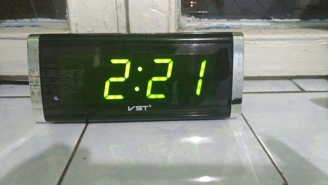 e0038ee22c76 Часы электронные настольные VST-730 от сети и с памятью Новое