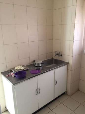 Bachelor flat, Super Bachelor flat. 1 bedrooms to rent in Cartenvillle West Rand - image 3
