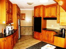Astonishing 4 bedroom family house in Constantia Kloof available.