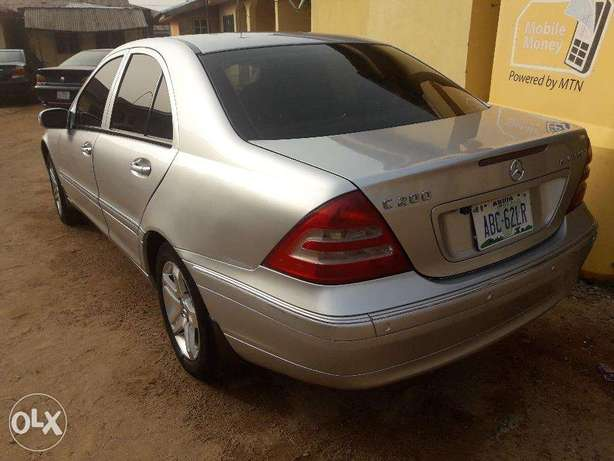 Clean C-200 for Grabs Abuja - image 2