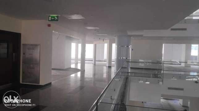 Office for rent in ruwi High Street