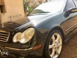 Super fast car. Benz c230 Sport for Sale. Serious buyers please