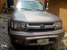 Toyota 4runner 2000 model limited edition