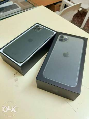 iPhone 11 Pro Max 256gb with box accessories with warranty