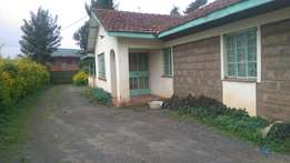 Ngong town 3br old house on 1/4 acre ask 12 million