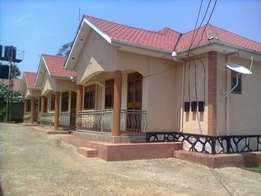 Two bedrooms Bangalore for rent found in Namugongo