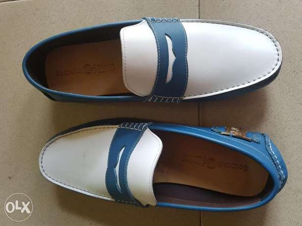 Blue&white leather drivers.size 45 Ibadan South West - image 1