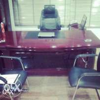 Quality Executive Office Table With Mobile Drawers