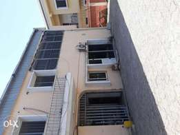 A One bedroom flat to Let with two toilets in wuse zone 6
