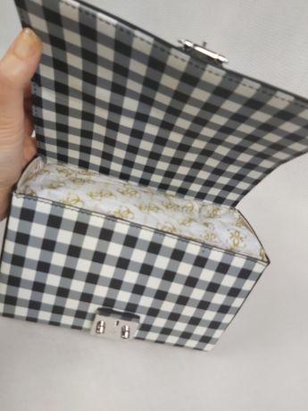 Nowa torebka kuferek GUESS kratka torba cekiny kamyki HIT