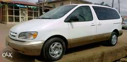 Firstbody Toyota Sienna up for grab